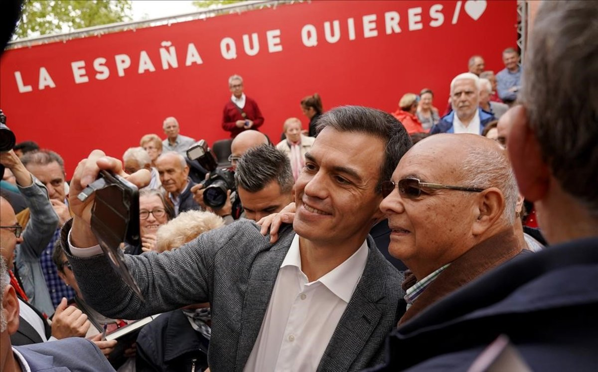 """El programa del PSOE: """"Ni referèndum ni 155 permanent"""""""