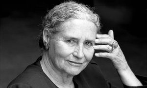 Doris Lessing, la voz lúcida e indómita