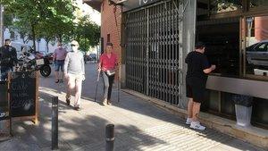 Uno de los primeros bares en el barrio de El Carmel, donde sirven cafés y bocadillos para llevar.
