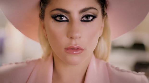 Lady Gaga suspèn la gira europea