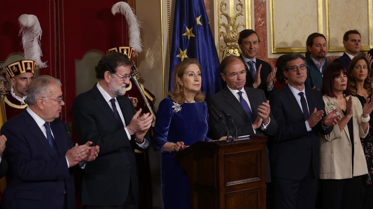 El presidente del Gobierno, Mariano Rajoy, y las altas autoridades del Estado en el acto de celebración del 39 aniversario de la Constitución.