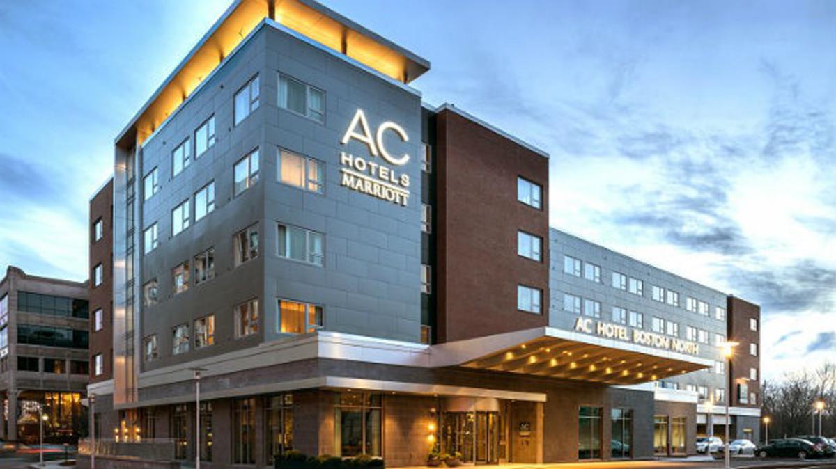 El sector hotelero prevé un frenazo del turismo este verano