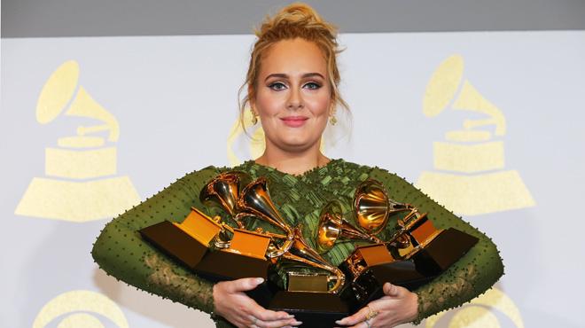 Sobre el escenario brillaron, entre otros, Beyoncé, que se llevó un gramófono de oro y Lady Gaga.