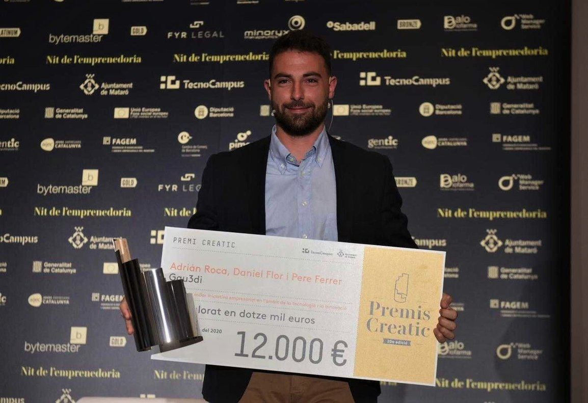 Adrián Roca, representante de los ganadores del premio Creatic a la mejor iniciativa empresarial en el ámbito de la tecnología y la innovación.
