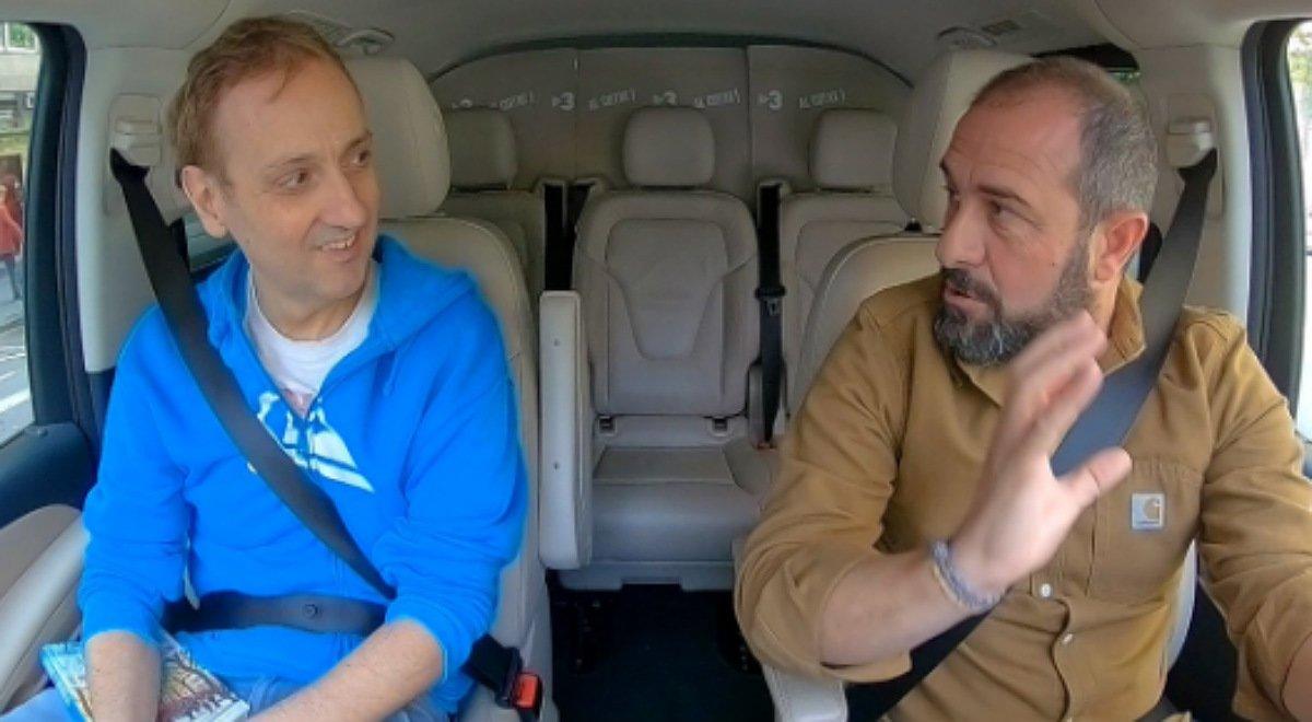 Albert Espinosa, durante la charla con Eloi Vila, en 'Al cotxe' (TV-3).