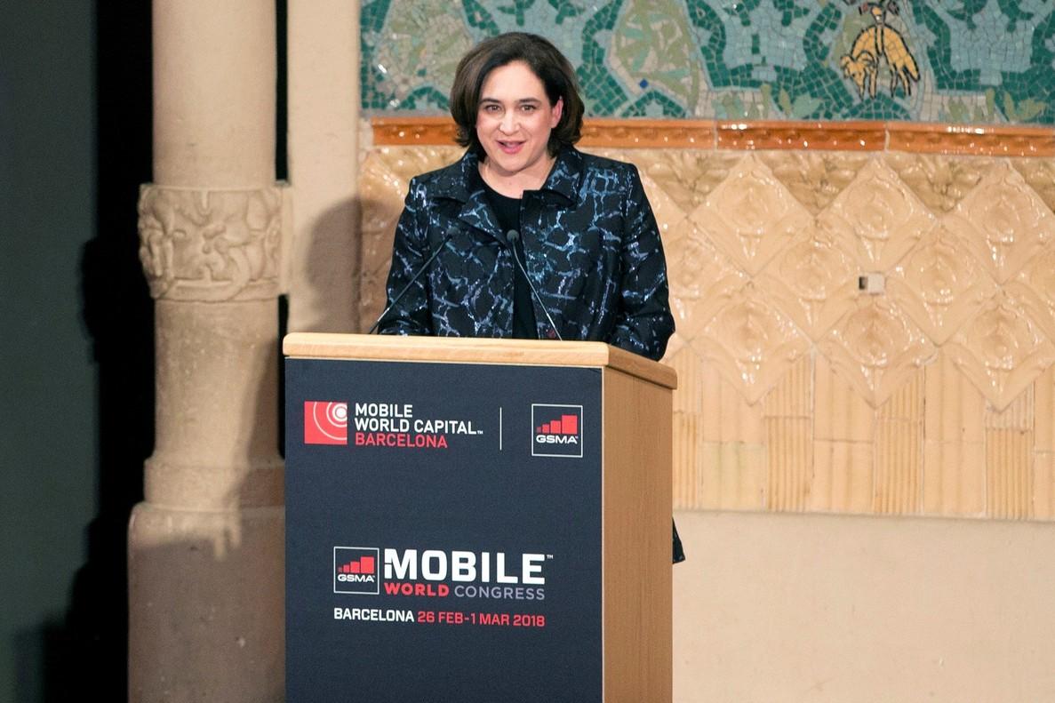 La alcaldesa de Barcelona, Ada Colau, durante su discurso en la cena de bienvenida al Mobile World Congress (MWC).
