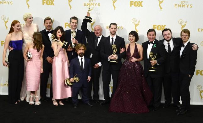 El reparto de Juego de tronos, la gran triunfadora de la noche de los Emmy 2015.