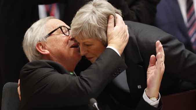 May no tira la tovallola i està disposada a donar més aclariments sobre el 'brexit'