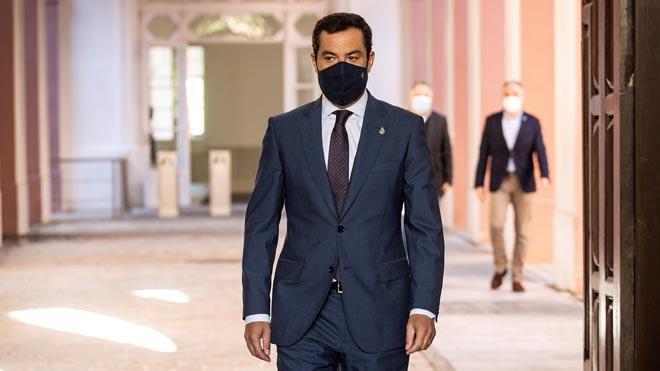 Andalucía adelanta el toque de queda y limita la actividad esencial. Así lo ha explicado el presidente de la Junta, Juanma Moreno.