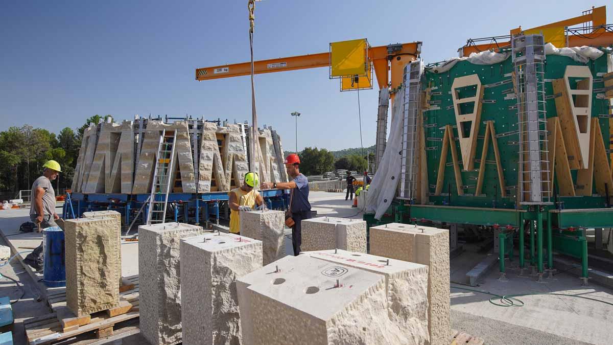 Así se construyen las piezas de la Sagrada Família en La Galera (Bages).