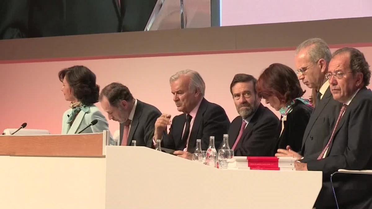 El banco español Santander obtuvo un beneficio neto atribuido de 2.054 millones de euros.