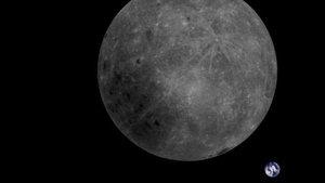 La cara oculta de la Luna y la Tierra.