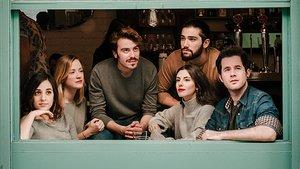 Foto promocional de los seis jóvenes protagonistas del musical.