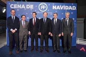 El PP de Madrid junto a Pablo Casado en la cena de Navidad.