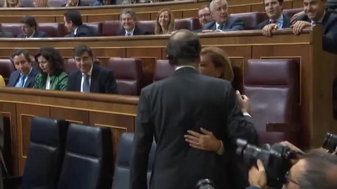 Detalles y repeticiones del discurso de investidura de Rajoy, de apenas una hora.