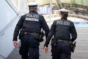 Dos policías alemanes.