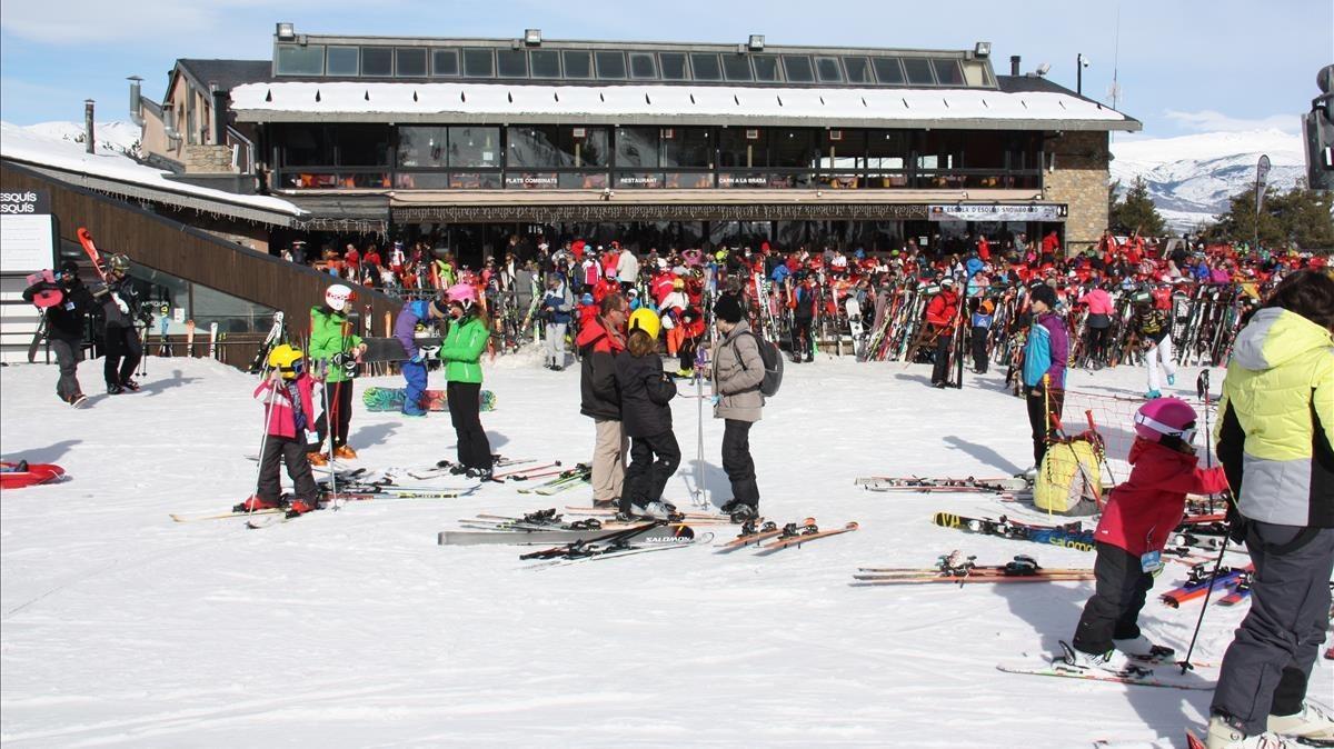 Esquiadores en el estación de Masella, el pasado día 18.