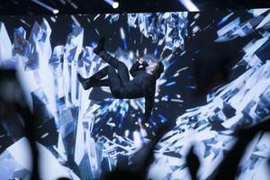 Sergey Lazarev, representante de Rusia en el Festival de Eurovisión, durante su espectacular actuación en las semifinales del certamen en Estocolmo.