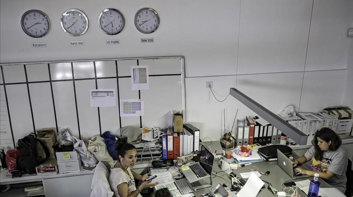Trabajadoras, en una oficina.
