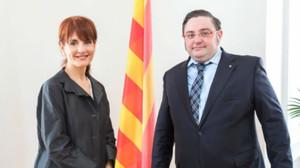 Francesca Guardiola, entonces responsable de relaciones exteriores del Govern, con el delegado en Austria, Adam Casals, en el 2015.