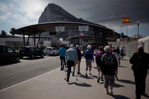 La frontera entre Gibraltar y la Línea de la Concepción este lunes.