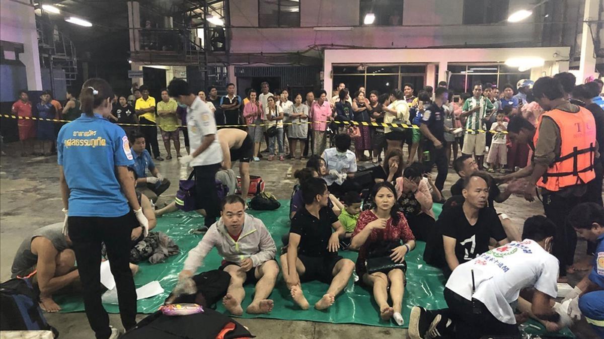 Imágenes del operativo tras el naufragio de dos embarcaciones en Tailandia