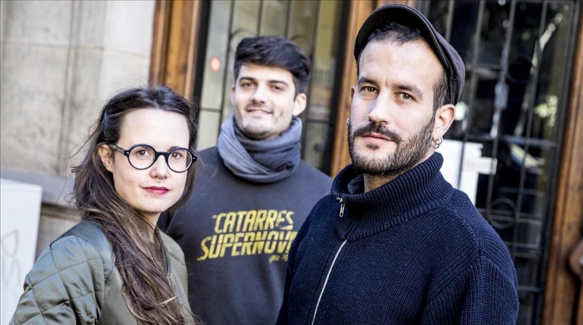 Els Catarres: de izquierda a derecha, Roser Cruells, Èric Vergés y Jan Riera-Prats.