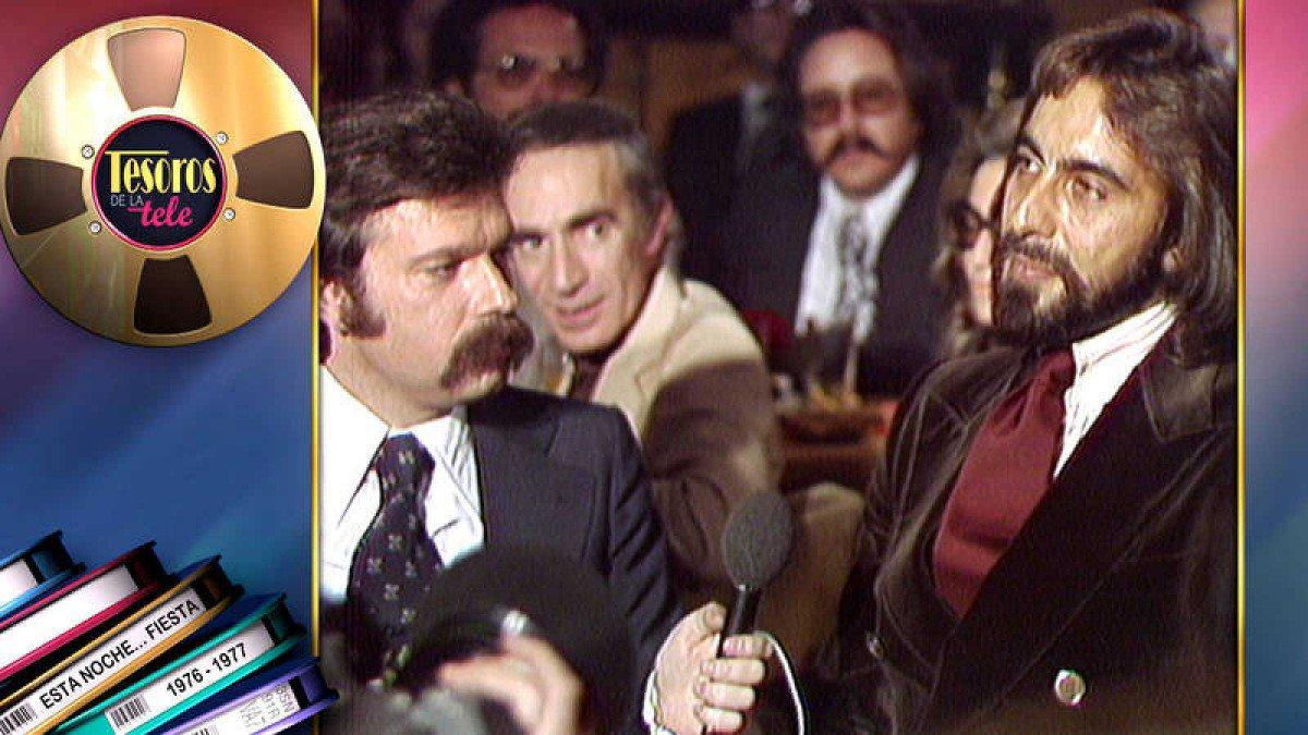 José María Iñigo con el actor Kabir Bedi, en 'Esta noche...fiesta'.