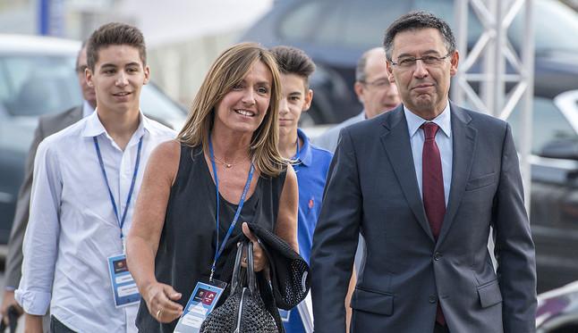 Josep Maria Bartomeu, a su llegada al Camp Nou para participar en el debate de los cuatro candidatos a la presidencia del Barça.