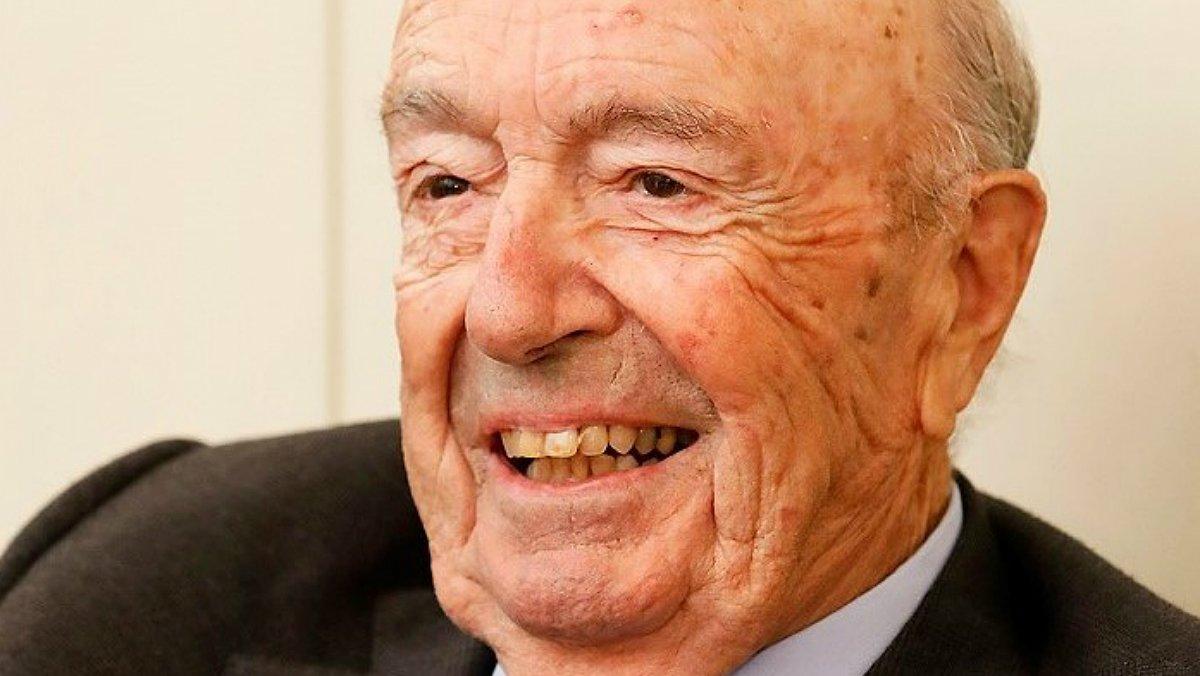 Mor Josep Esteve, expresident del grup Esteve