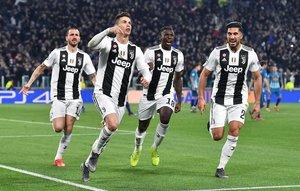 Cristiano Ronaldo y sus compañeros, en plena euforia tras marcar al Atlético.