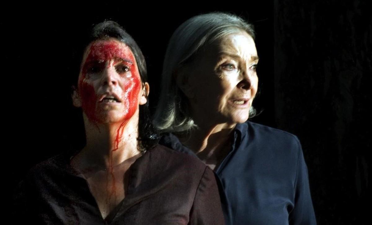 Laia Marull y Núria Espert, en un momento de 'Incendios'.