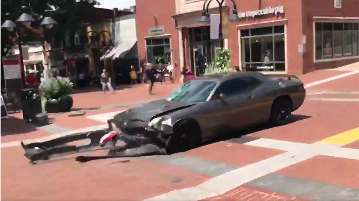 Una persona ha fallecido en el múltiple atropello de manifestantes en Charlottesville.