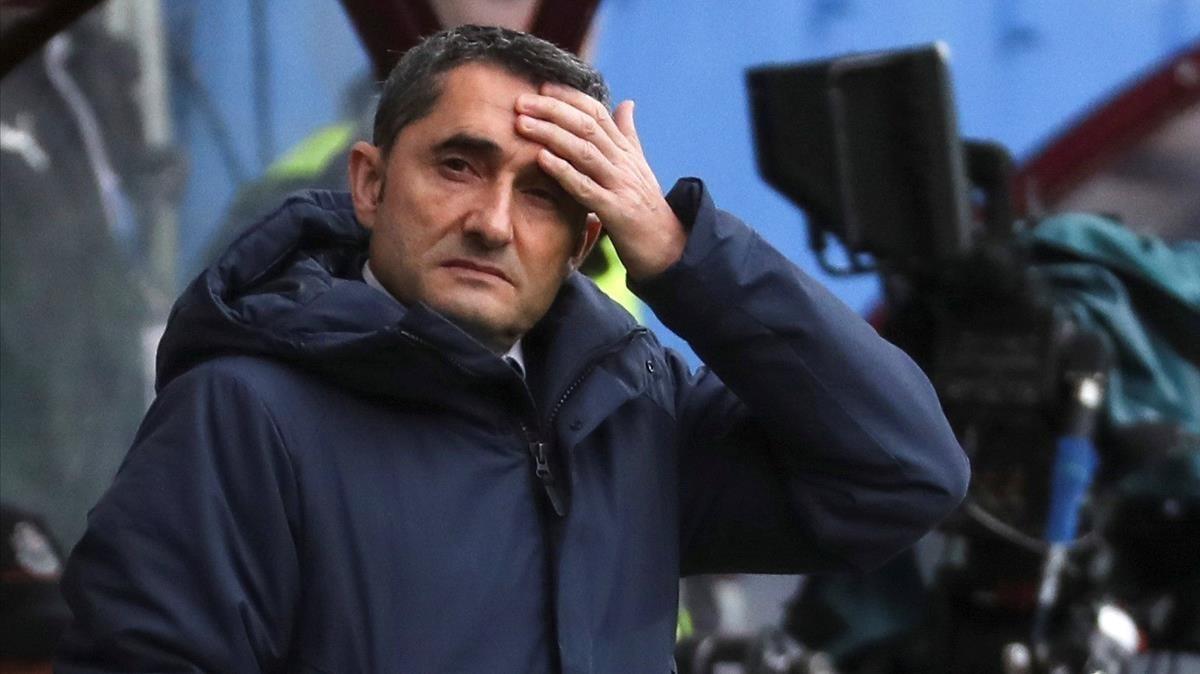 Ernesto Valverde, en el estadio de Ipurúa, donde mantuvo al Barça invicto.