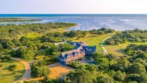 Vista aérea de la vivienda que los Obama quieren comprar en la exclusiva Martha's Vineyard.