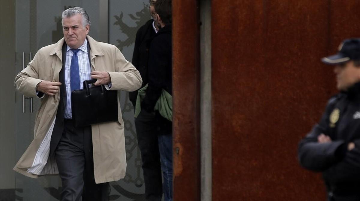 El extesorero y exsenador del PPLuis Bárcenas, saliendo de la Audiencia Nacional.
