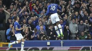 Lukaku, del Everton, celebra un gol al Leicester.