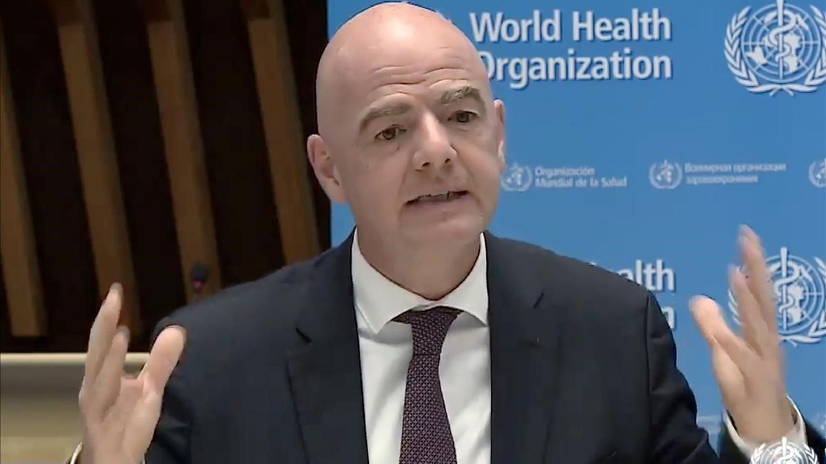 La FIFA demana als jugadors abaixar-se el sou i estudia ampliar els contractes més enllà del 30 de juny pel coronavirus