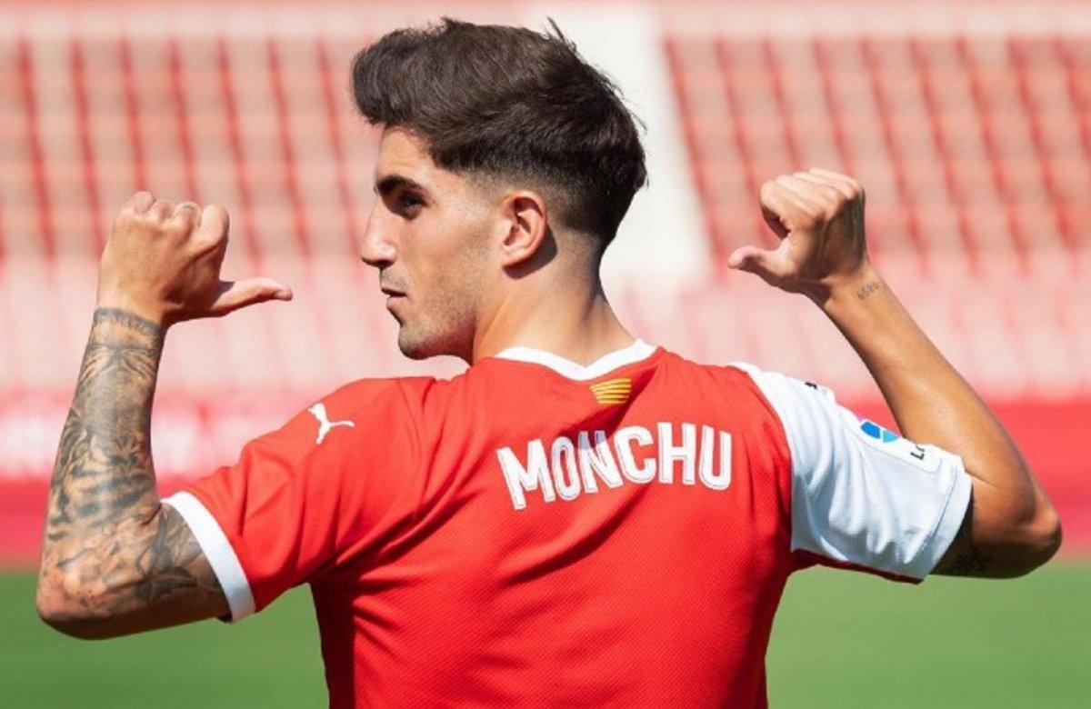 Monchu.