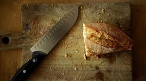 El pan es el alimento que más tiramos a la basura.