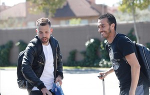 Pedro Rodríguez junto a Jordi Alba, a su llegada a la concentración de la selección el pasado lunes.
