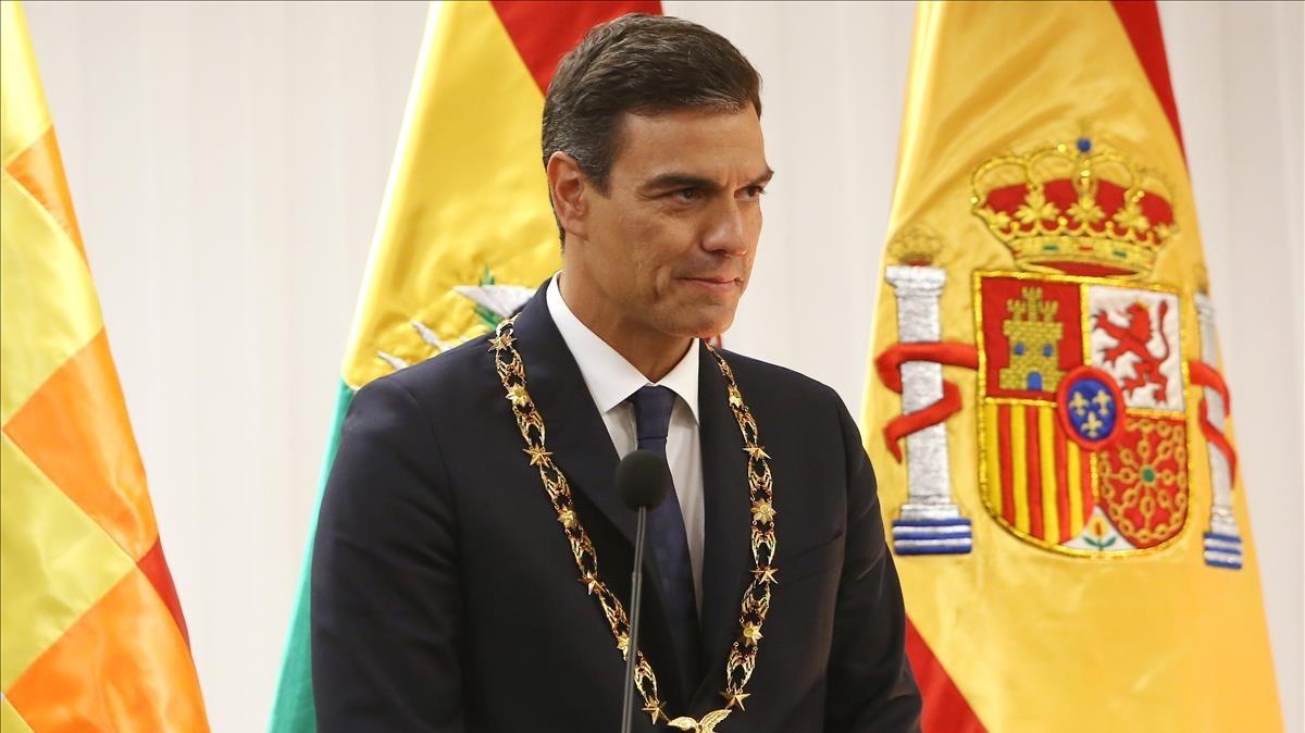 Pedro Sánchez, este miércoles, en rueda de prensa desde Bolivia.