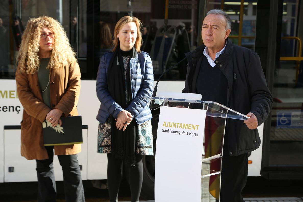 La presentación del nuevo servicio de bus.