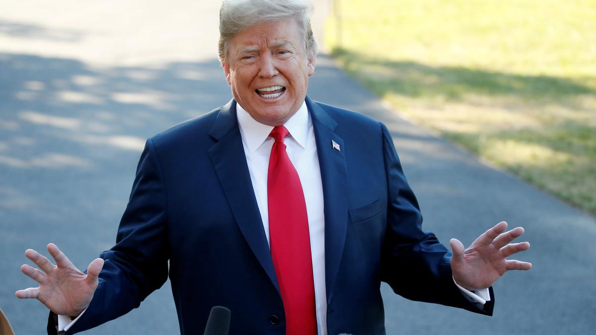 El presidente de los Estados Unidos, Donald Trump, atiende a los medios de comunicación en la Casa Blanca.