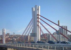 El puente de Can Peixauet, entre Santa Coloma y el Bon Pastor.
