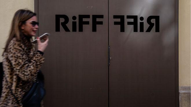 El restaurante Riff de Valencia cierra sus puertas hasta que se aclare la muerte de una mujer.