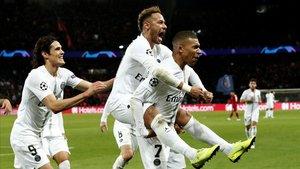 Neymar catapulta el PSG davant del Liverpool