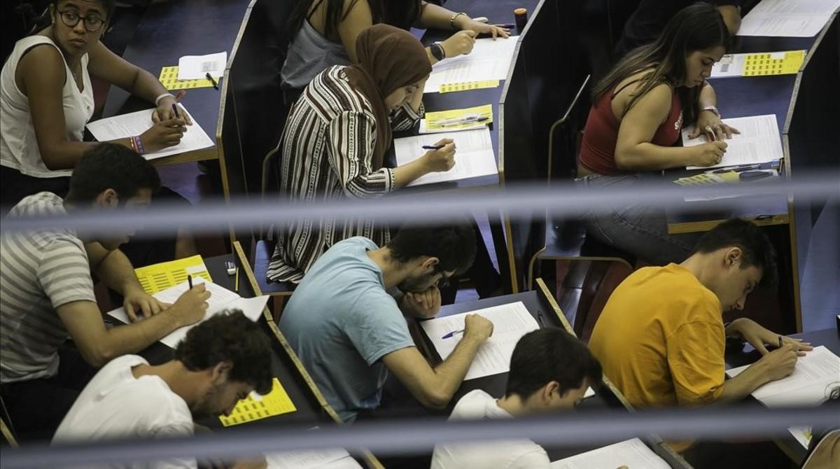 Un momento del exámen da la prueba de Selectividad en el 2017.
