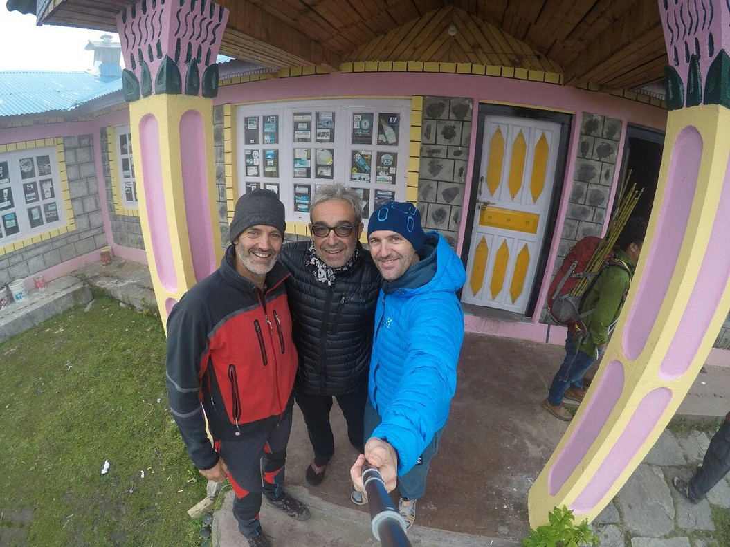 Selfi de Sergi Mingote junto a 'Barraca' y Patxi