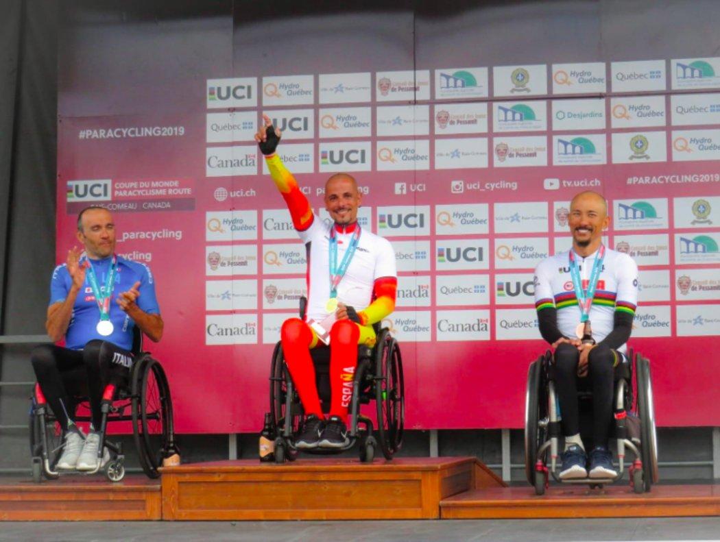 Sergio Garrote, tras ganar la prueba en ruta H2 de la Copa del Mundo de ciclismo adaptado en Canadá